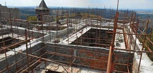Rekonstrukce hradu HELFŠTÝN