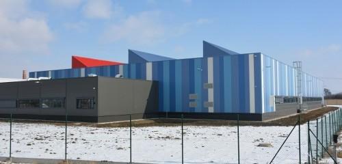 GACZ Hulín, Výrobní hala a administrativní centrum