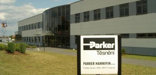 PARKER HANNIFIN Nymburk, Výrobní a skladovací hala